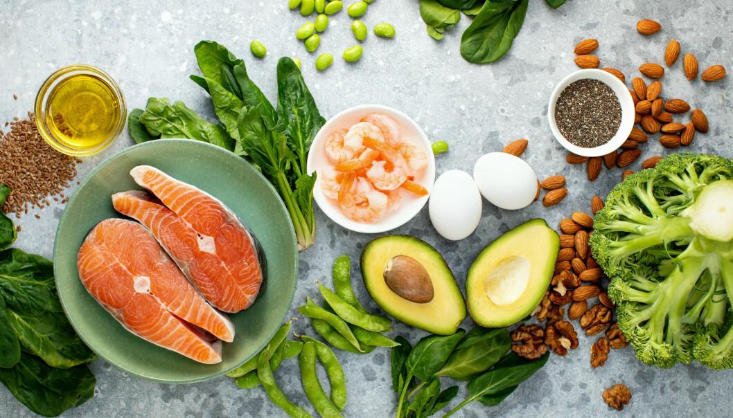 Medelhavskost med fet fisk och grönsaker.