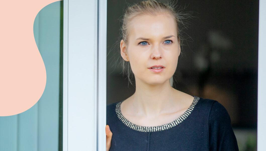 Mette, som lider av OCD, tittar mot horisonten