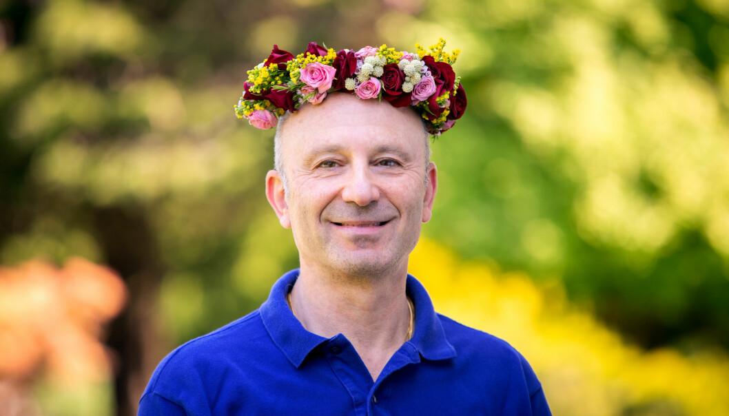 Mikael Domsten har sitt sommarprogram i P1 den 4 juli 2021 och kommer att prata om vaccinet mot covid-19 som han varit med att ta fram.