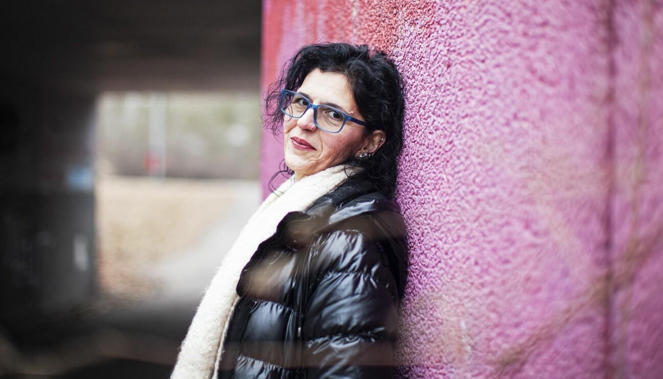 Miranda föddes i Iran och blev bortgift när hon var 13 år med en vuxen man och här berättar hon om hur det var att tvingas till att ingå barnäktenskap