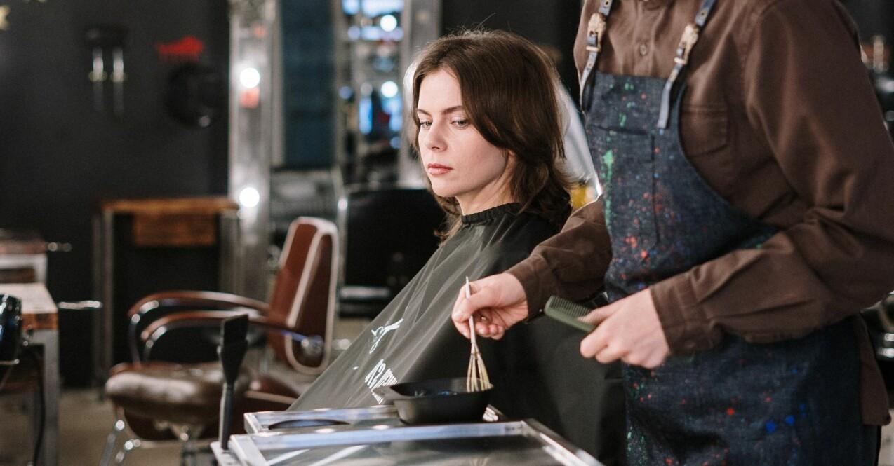 Kvinna frisörsalong