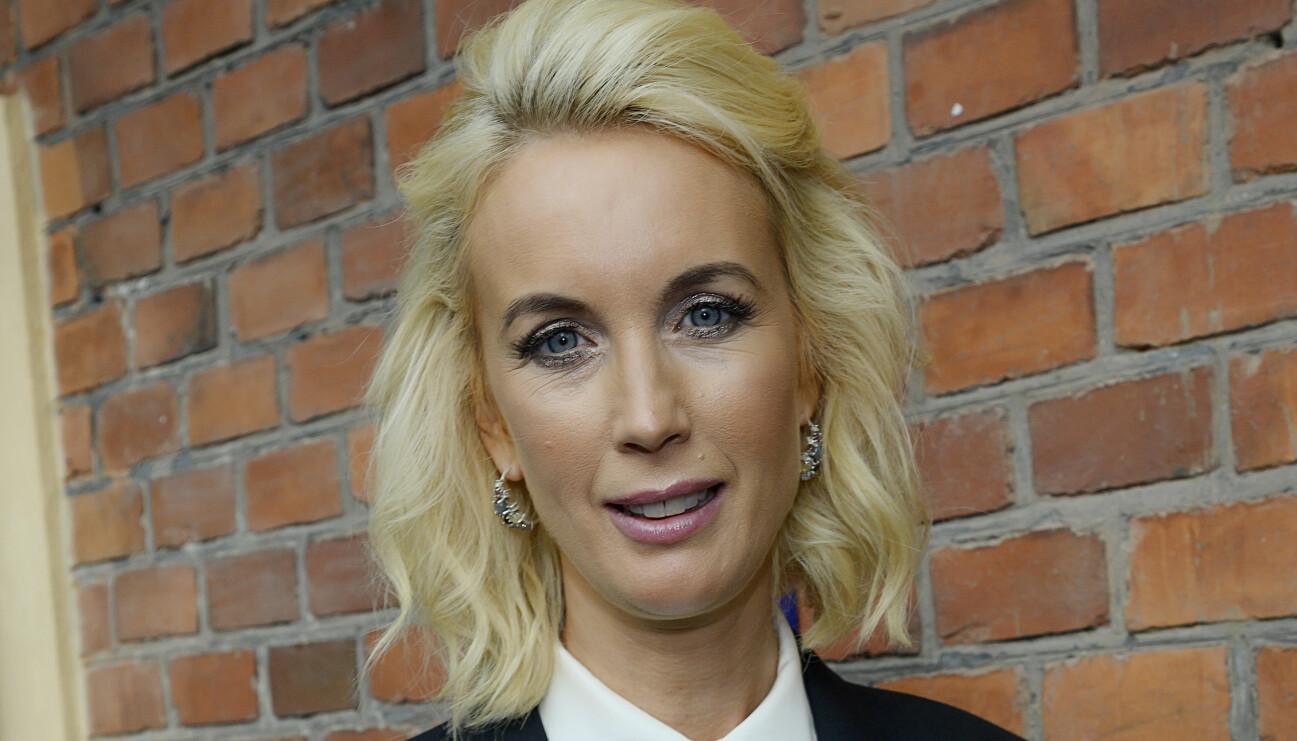 Porträtt av programledaren Jenny Strömstedt, aktuell i bland annat Nyhetsmorgon och Tillsammans med Strömstedts.