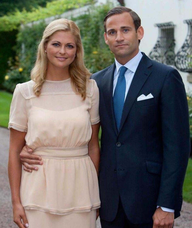 Prinsessan Madeleine och Jonas Bergström tillkännager sin förlovning på Öland 2010.