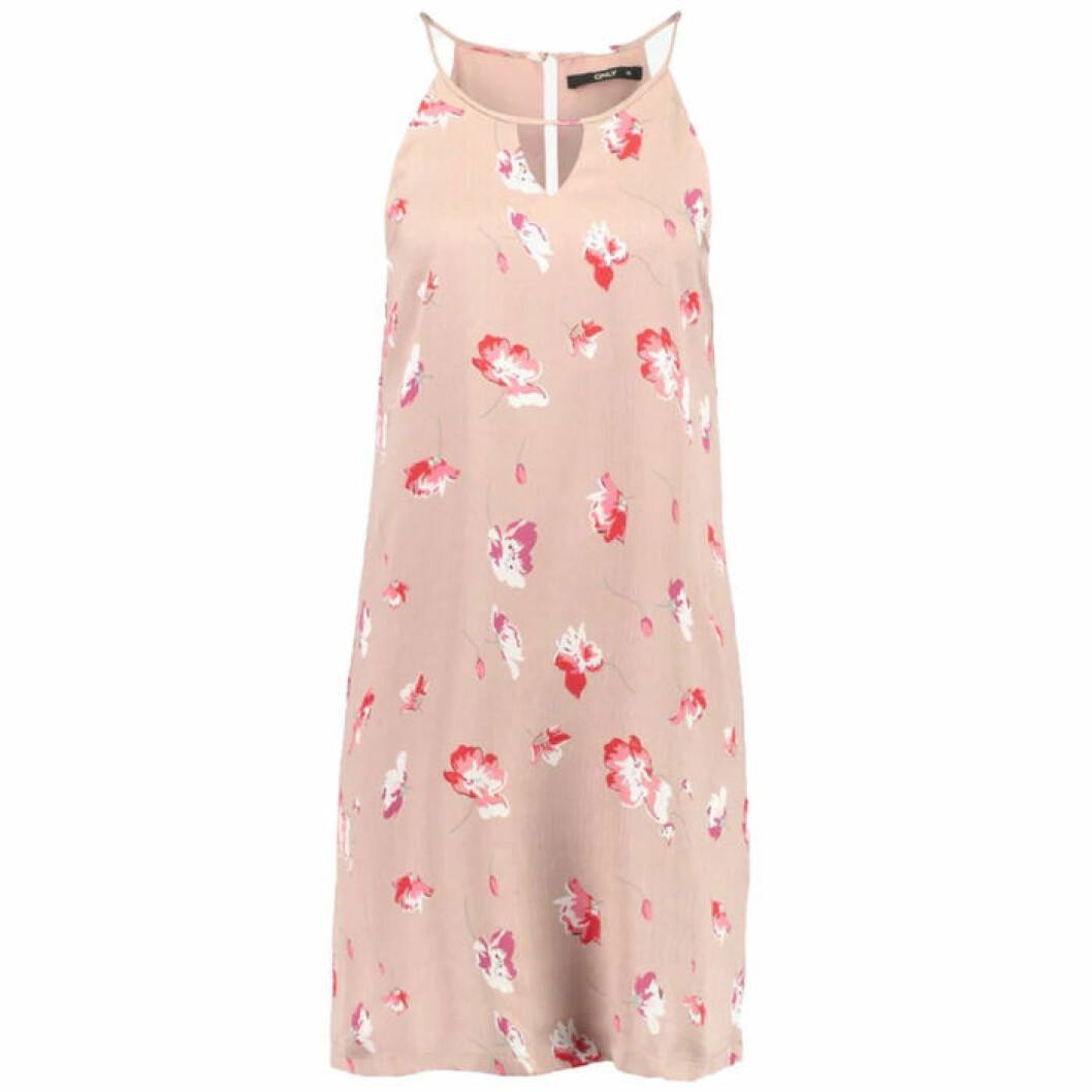 Blommig rosa klänning