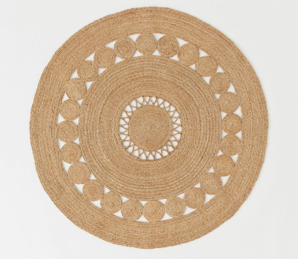Rund jutematta med mönster från H&M Home