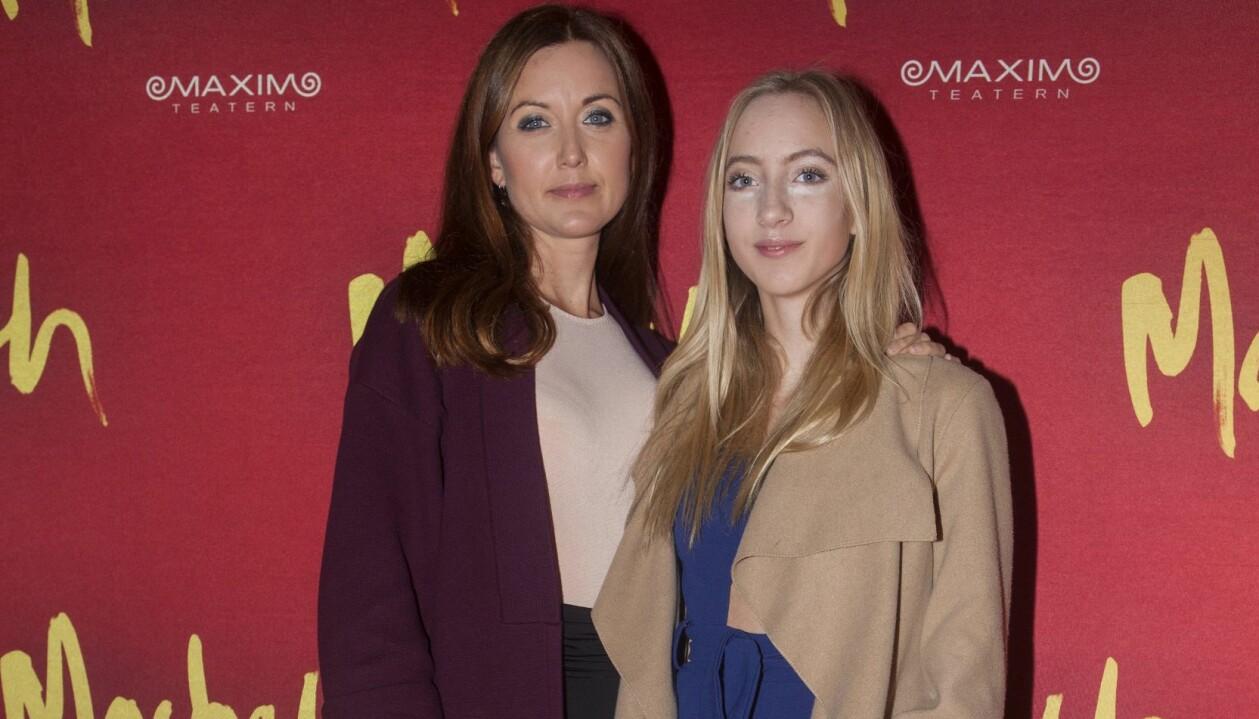 Sanna Lundell med dottern Olga Crafoord Lundell på Maximteatern 2016.