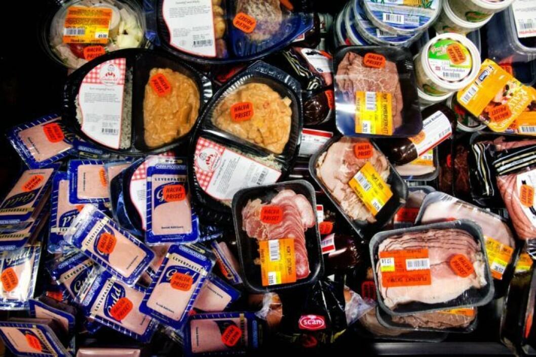 Förpackningar på extrapris i mataffären