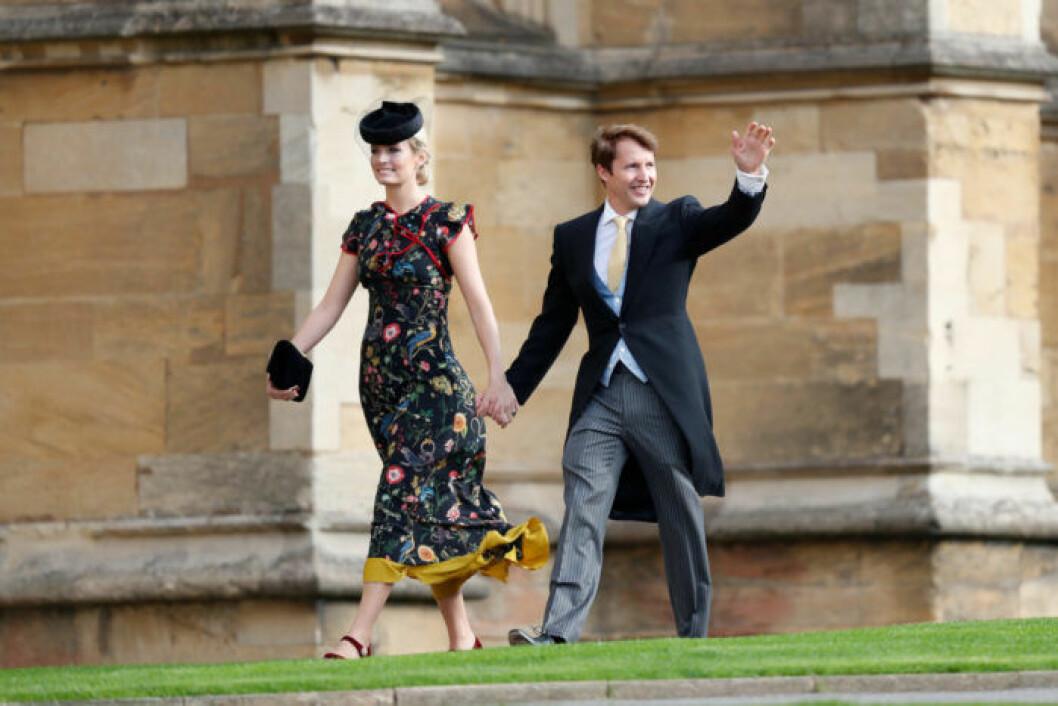 James Blunt anländer till vigseln med sin fru Sofia Wellesley.