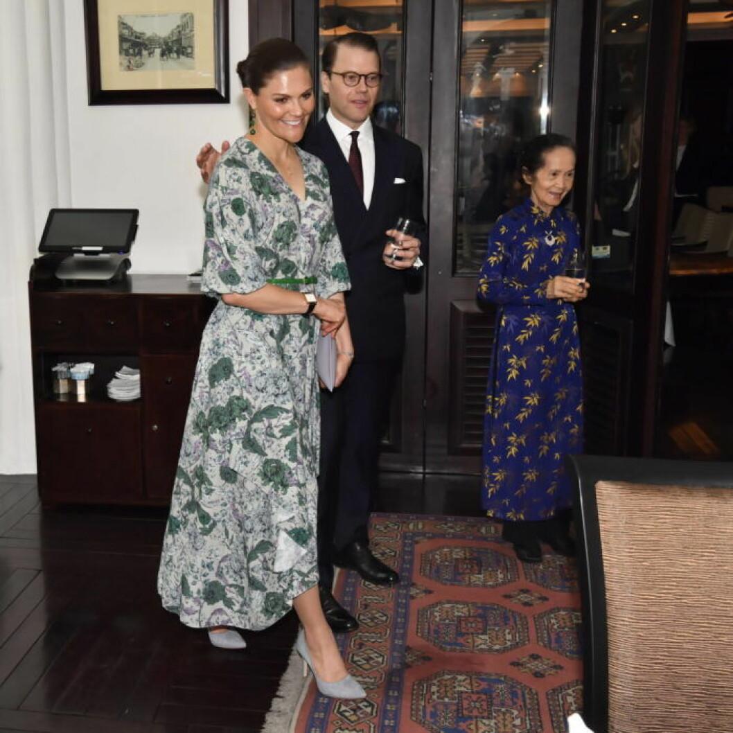 Kronprinsessan Victoria i klänning från Dagmar