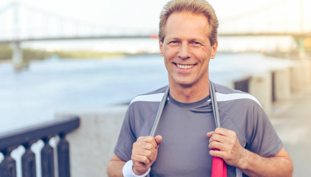 MEedelålders man joggar utomhus