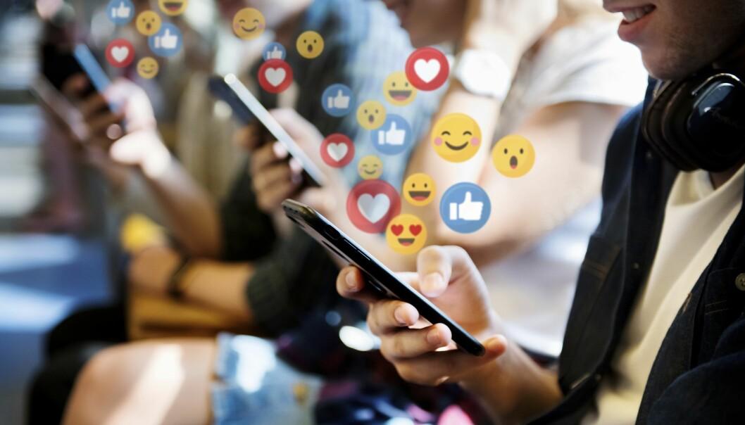 Barn och unga tillbringar mycket tid på sociala medier vilket kan göra föräldrar oroliga.