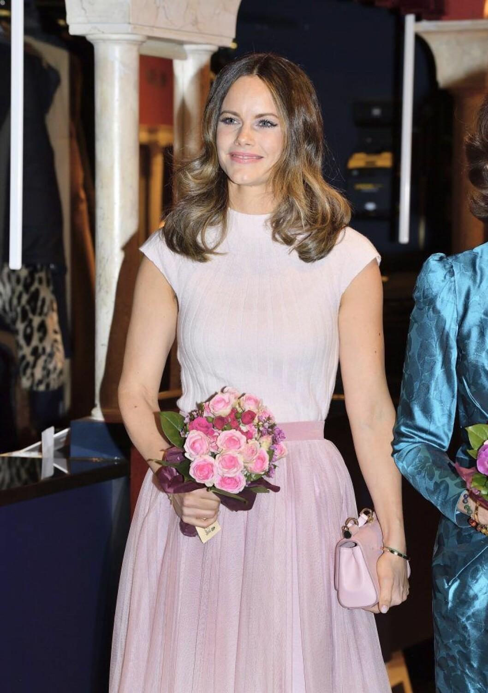 Prinsessan Sofia i rosa klänning.