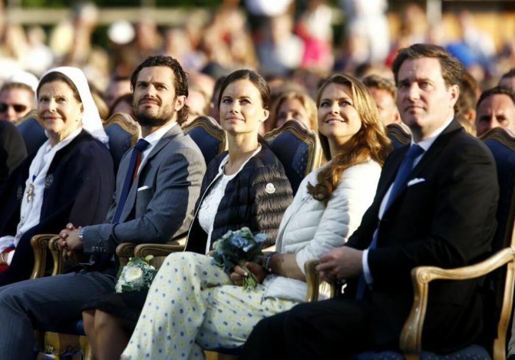 Drottning Silvia, prins Carl Philip, prinsessan Sofia, prinsessan Madeleine och Chris O'neal.