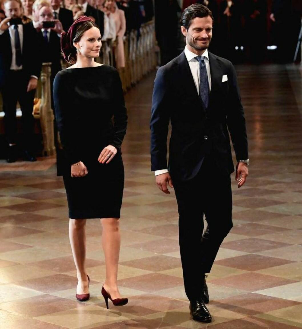 Sofia i svart klänning