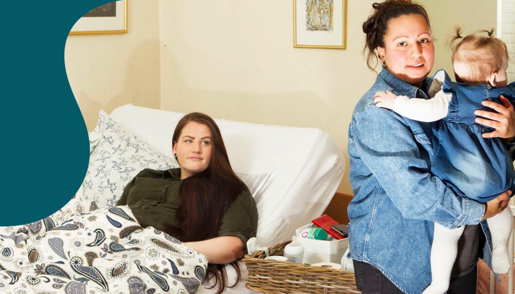 Kvinna ligger i sängen och hennes flickvän håller deras dotter bredvid.