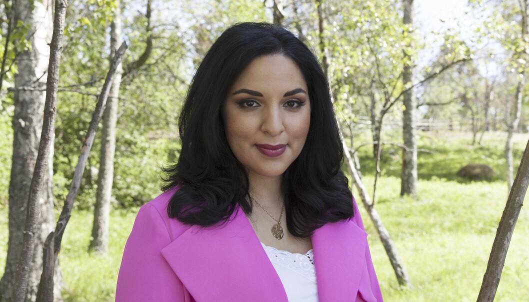 Tara Moshizi berättar om när hennes familj kom till Sverige från krigets Iran, om hennes karriär som tv-journalist och om sin högkänslighet.