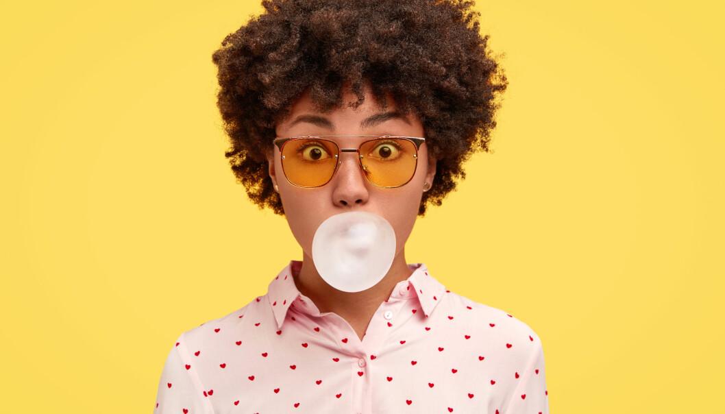 Vad hjälper mot halsbränna? Tuggummi är ett av tipsen.