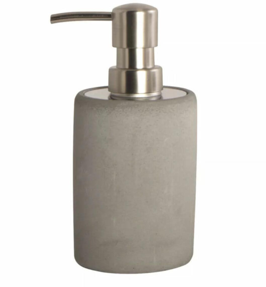 Tvålpump i cement