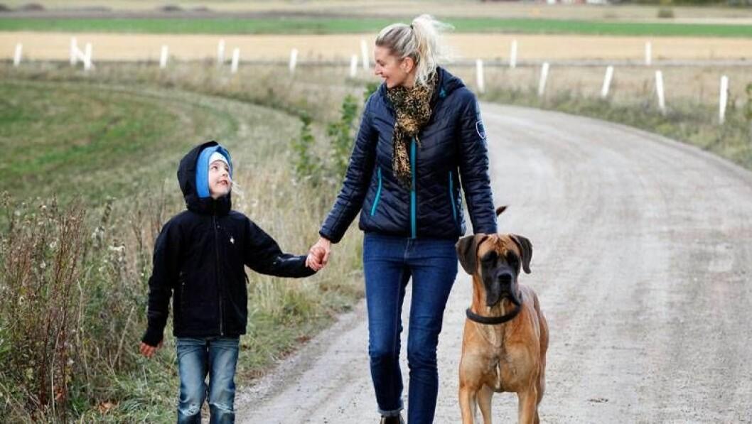 I dag finns ork till lek och promenader med sonen Bobbo.
