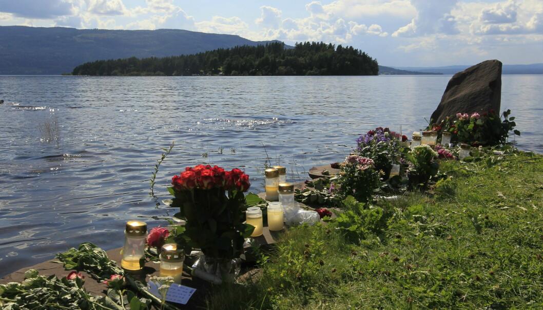 Blommor efter massakern på Utøya