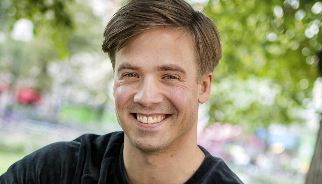 Nils Holmqvist, Väder-Nils, ler mot kameran