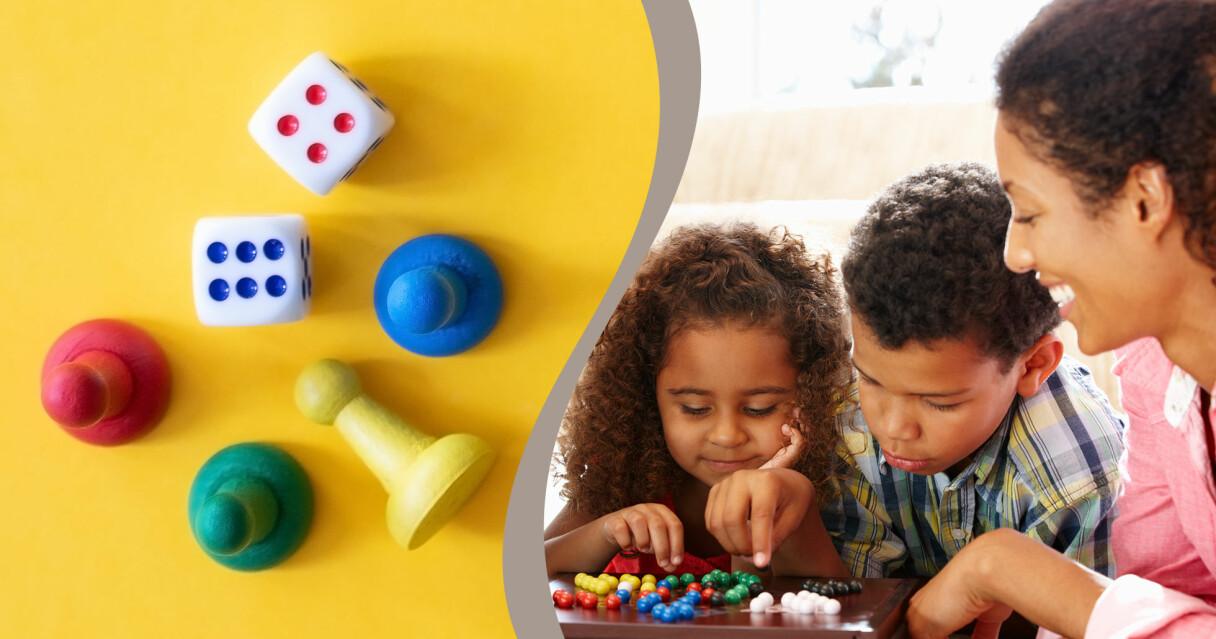 En bild på tärningar och spelpjäser kombinerat med bild på familj som spelar sällskapsspel.