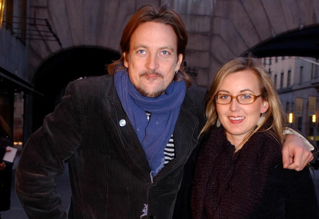 Wille Crafoord och Sanna Lundell fotograferade i Stockholm 2004.